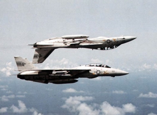 F-14A_Tomcats_VF-1_in_flight_1982