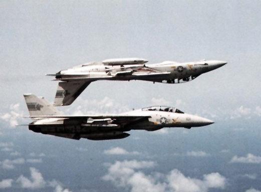 F-14A_Tomcats_VF-1_in_flight_1982